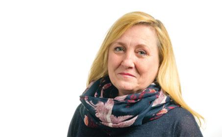 Csákvári Andrea, gazdasági igazgató