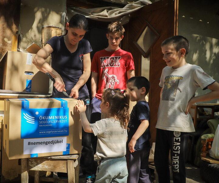 Segítség krízishelyzetbe került családoknak