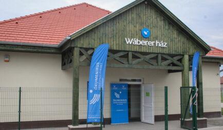 Közösségi házat adományozott Wáberer György halmozottan hátrányos helyzetű családoknak