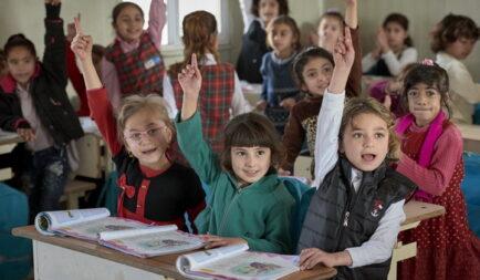 7 millió forint gyűlt össze a Segélyszervezet által újjáépített iraki iskolák berendezésére