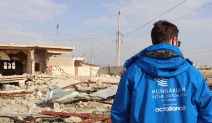 A menekülttáborokból hazatérő iraki családoknak indít gyűjtést a Segélyszervezet