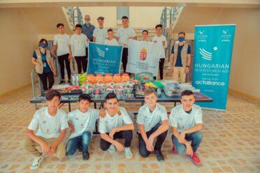 Sporteszközök adományozása iraki iskoláknak és egy árvaháznak