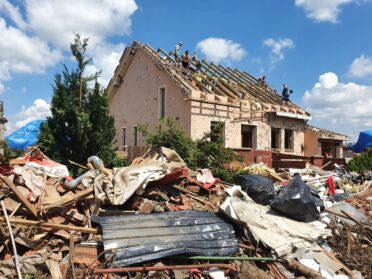 Még tart a romok eltakarítása Csehországban